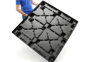 Thermoform Plastic Pallets Are Easy To Lift